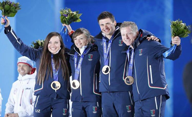 Italia-biathlon-bronzo-staffetta-mista-Sochi-2014_2_Fisi-Pentaphoto.jpg