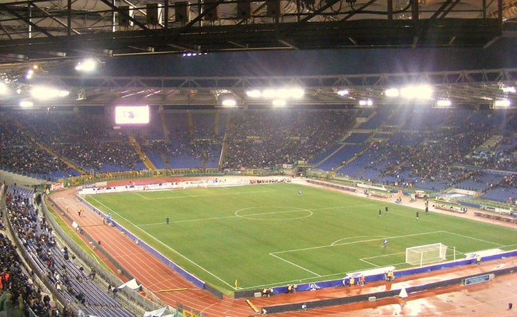 Roma-Chelsea, ultras giallorossi aggrediscono tifosi inglesi