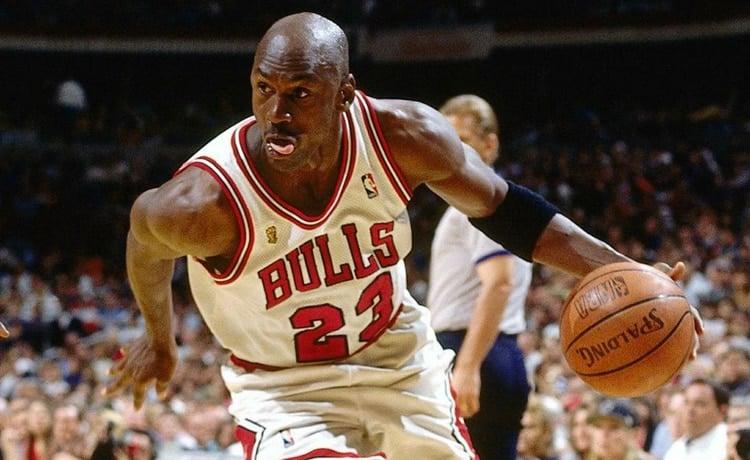 Michael Jordan entra nella Nascar contro il razzismo