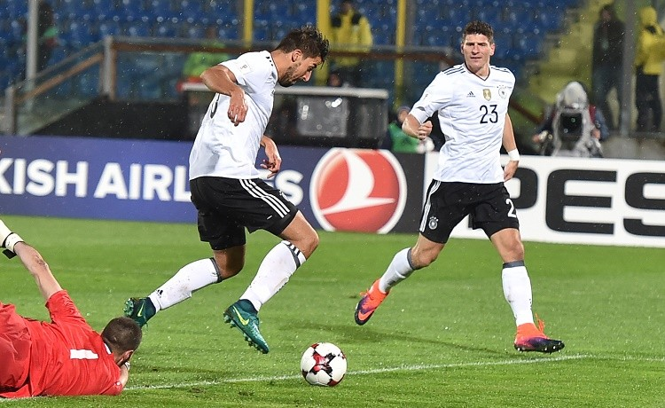 Mercato Juventus: Howedes per la difesa, sondaggio dei bianconeri con lo Schalke