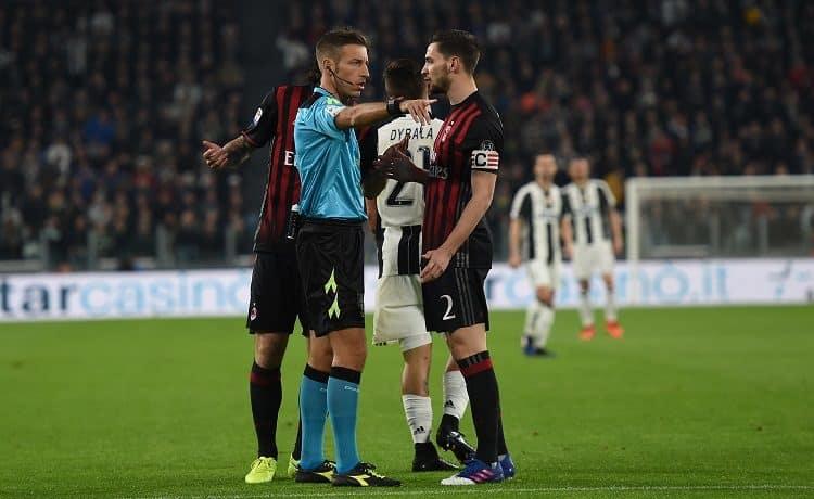 Milan, De Sciglio ha chiesto la cessione: c'è la Juve