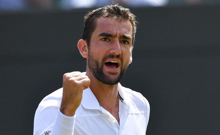 Federer vince la prima, 6-4 7-6 a Sock — ATP Finals