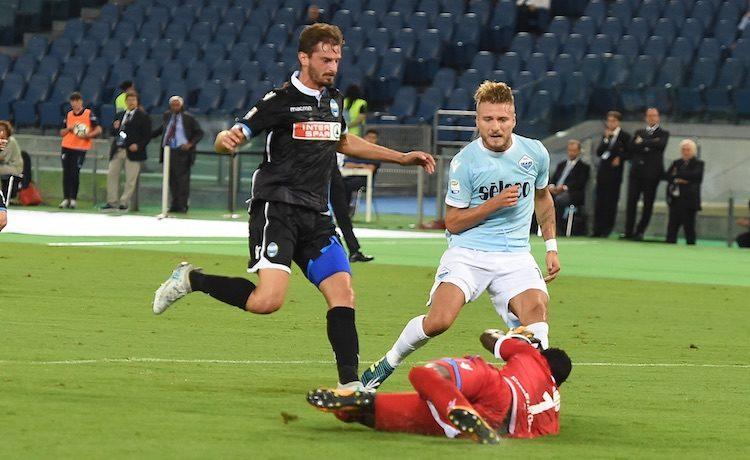 Serie A, i parziali: Napoli sotto con l'Atalanta, vince il Milan