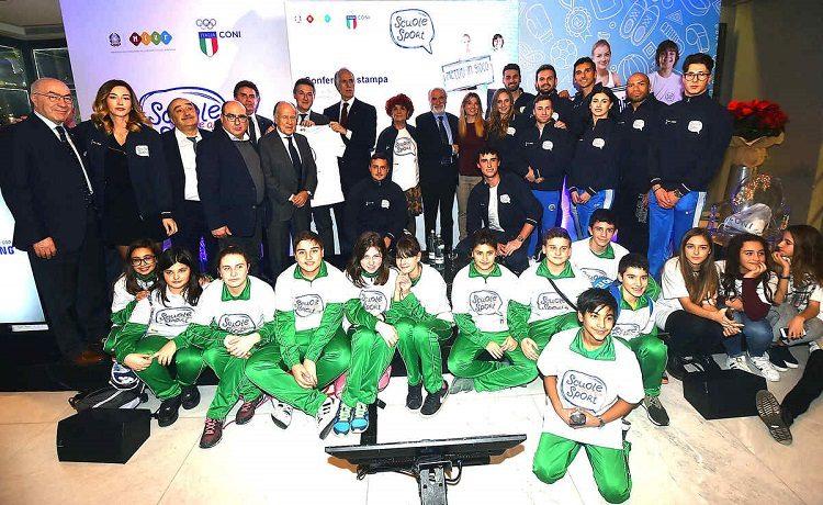 Scuola-lavoro: corteo studenti a Napoli