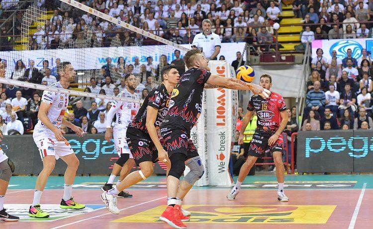 Superlega volley, semifinale gara 1: Perugia trionfa contro Trento