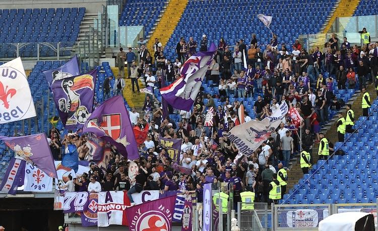Tifosi curva Fiorentina