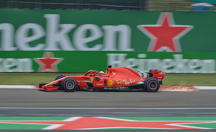 Sebastian Vettel - Foto emperornie - CC-BY-SA-2.0