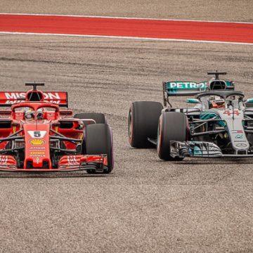 Sebastian Vettel e Lewis Hamilton - Foto Joe McGowan - CC-BY-ND-2.0
