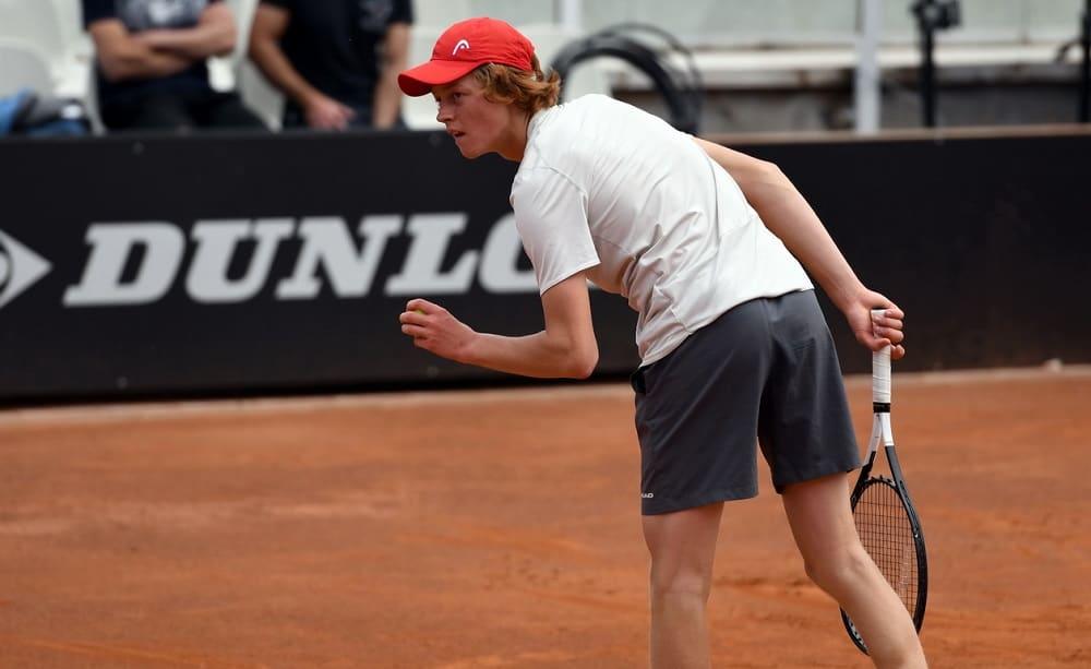 ATP Umago: il derby va a Travaglia, Fognini si ritira. Eliminato Lorenzi