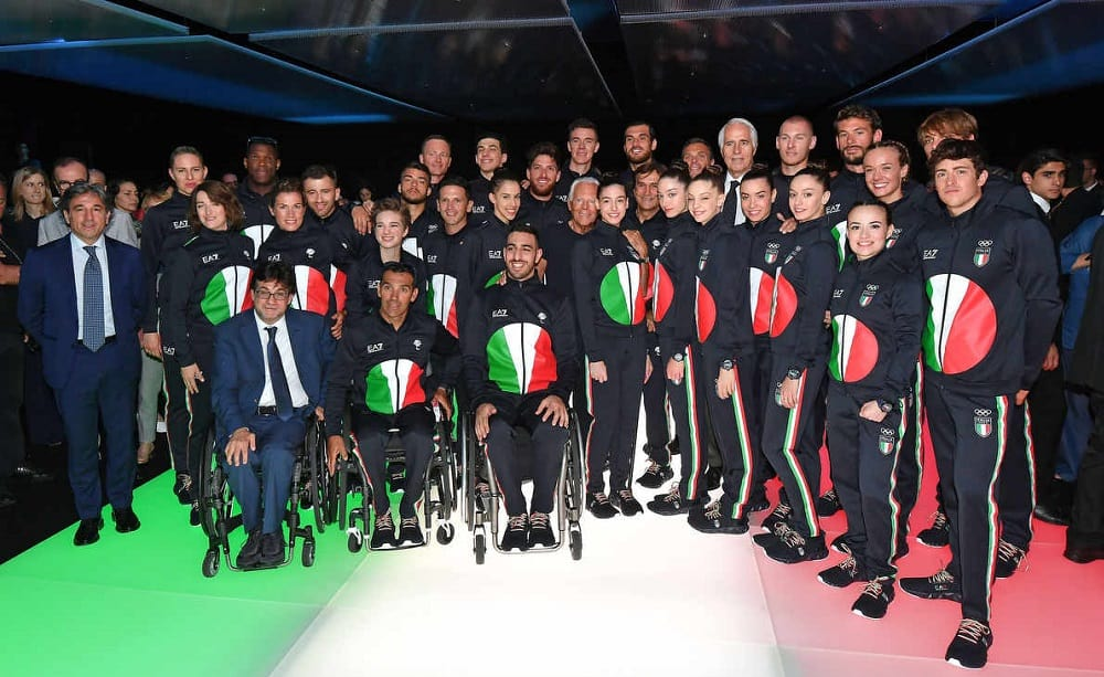 Italia Team con la nuova tuta Armani