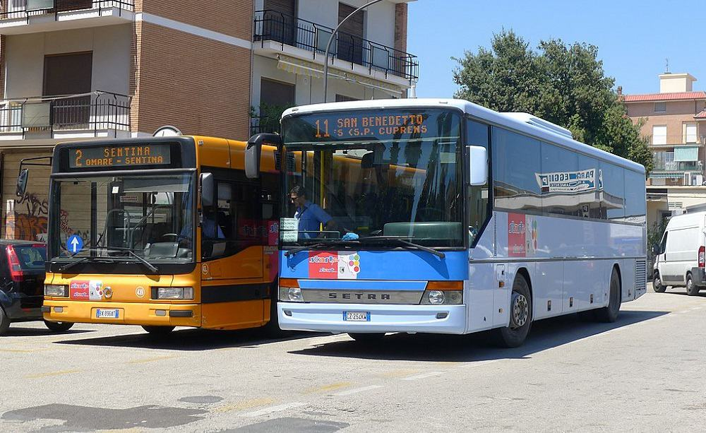 Autobus - Foto KC2001 CC BY SA 3.0