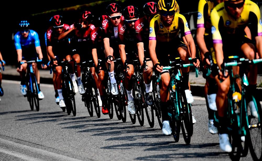 Ciclismo: squadra Evenepoel, 'oggetto era una bottiglietta'