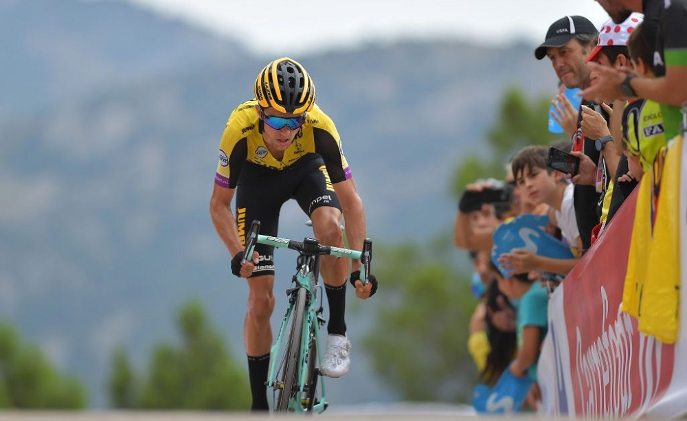 Giro del Piemonte 2020: George Bennett trionfa sul traguardo di Barolo
